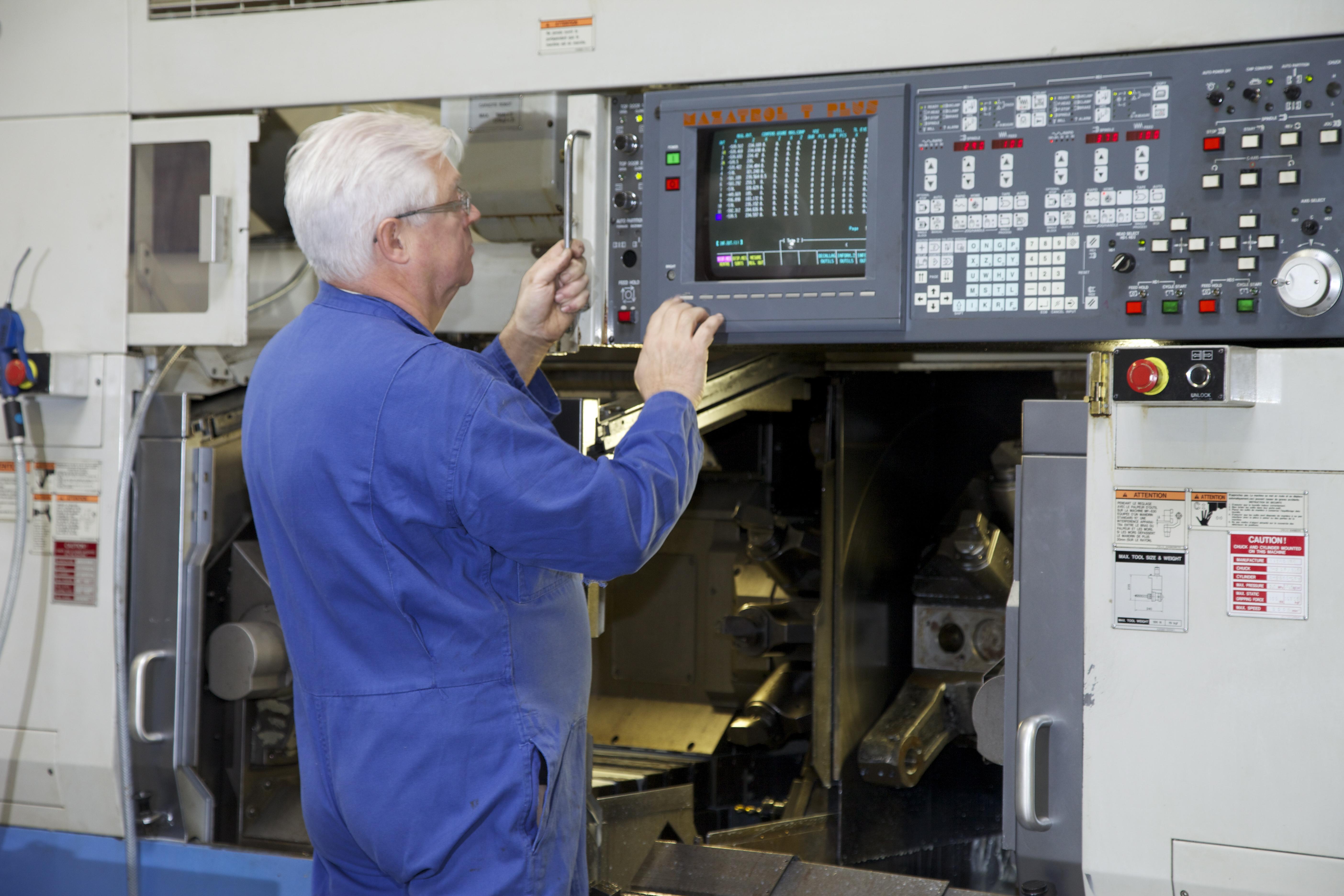 Musinage sur machines à commande numérique - EroDecoupe Industrie